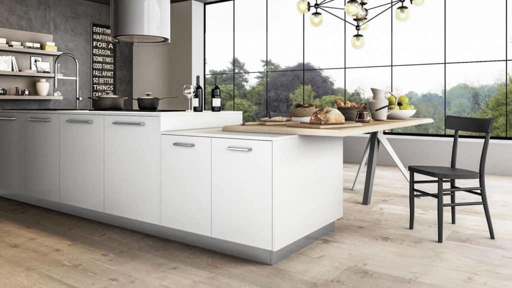 rangements de cuisine laquée blanc table bois