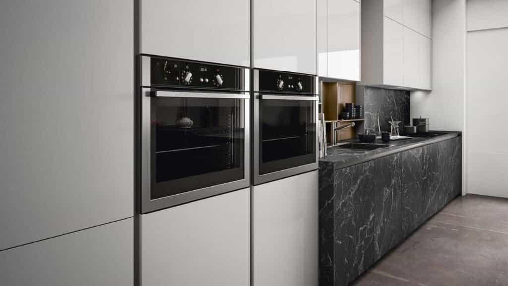 cuisine design marbre noir rangements