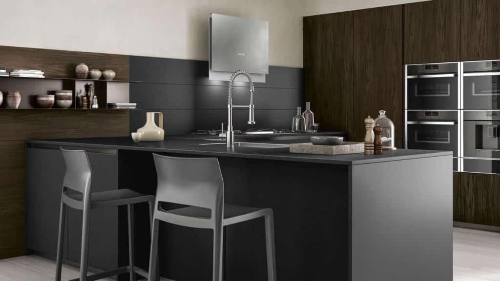 cuisine noire et bois foncé bar