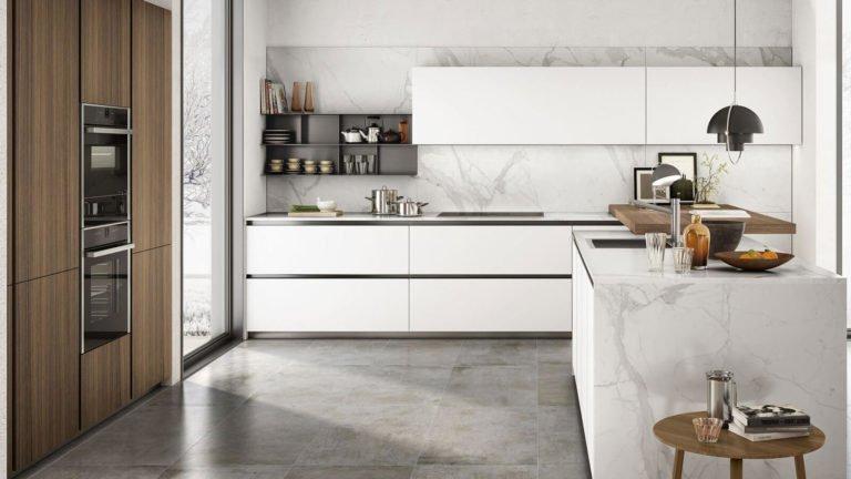 cuisine design marbre blanc et bois avec ilot central