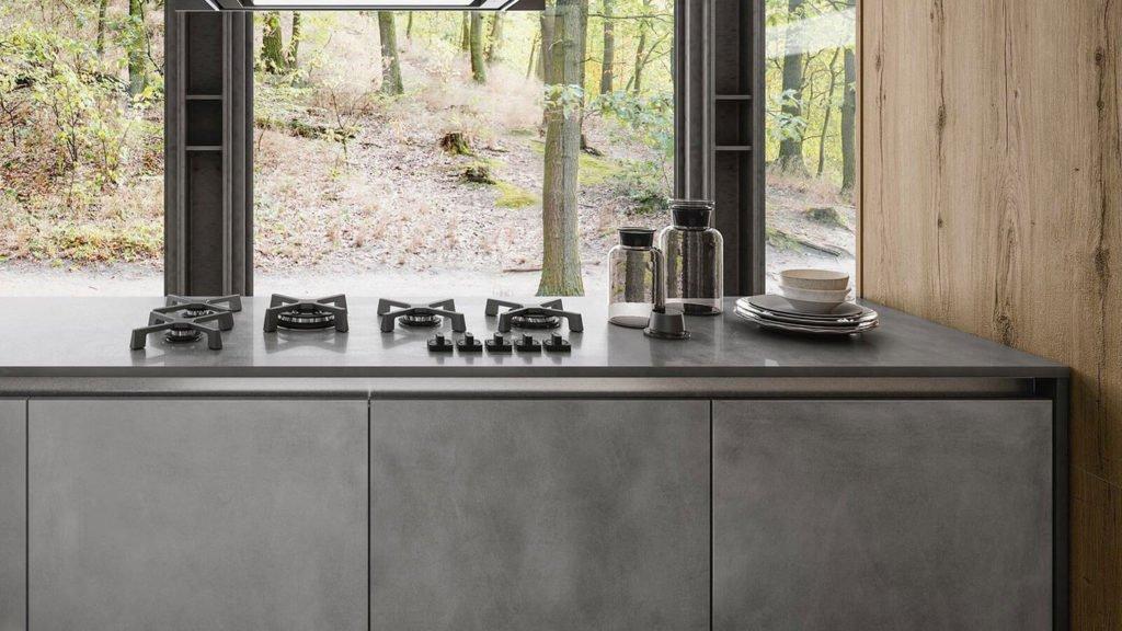 cuisine design béton et noyer plaques cuisson