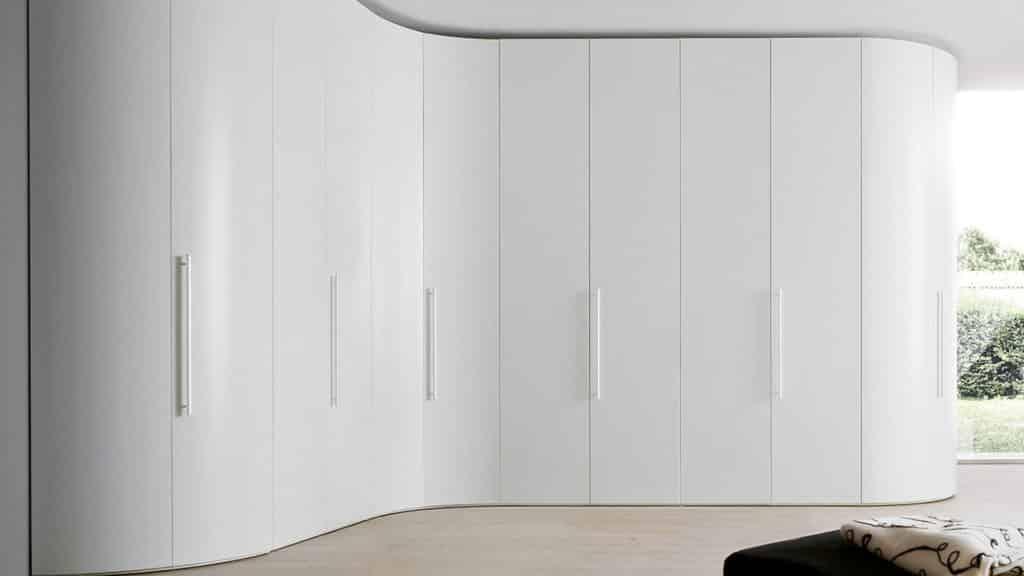armoire arrondie blanche