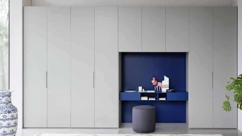 armoire battante grise bleue