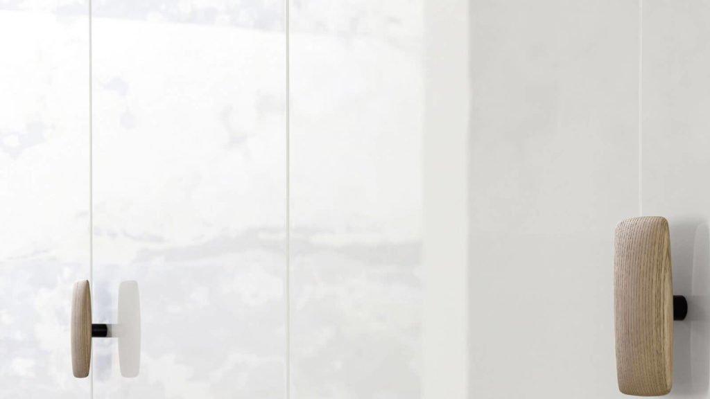 armoire porte battante laquée blanc brillant