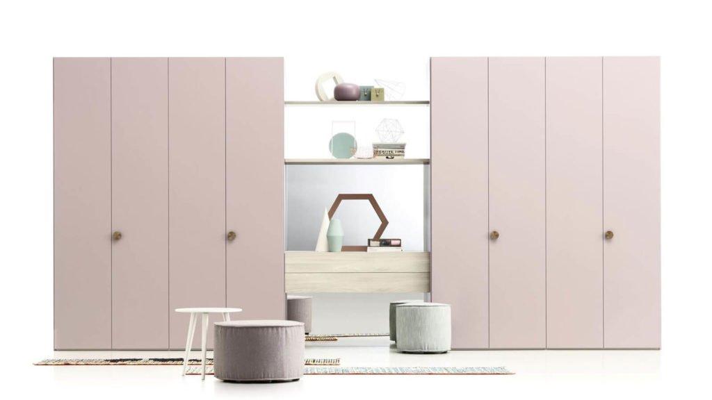 armoire porte battante laquée rose