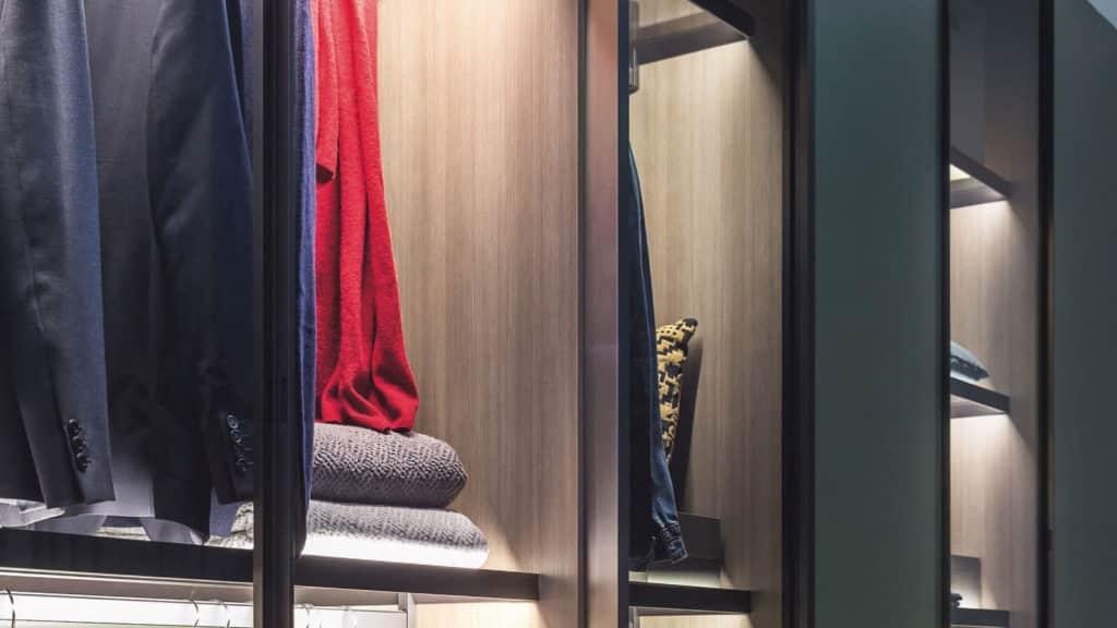 armoire porte battante