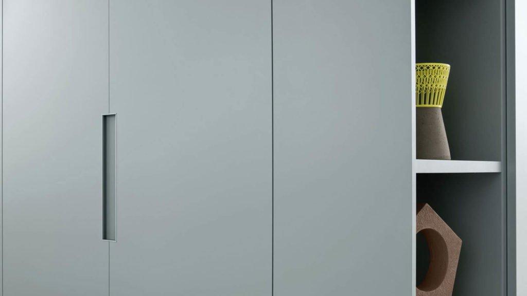 armoire portes battantes grise bleue