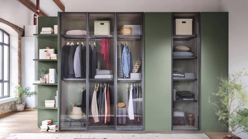 armoire verte portes transparentes battantes