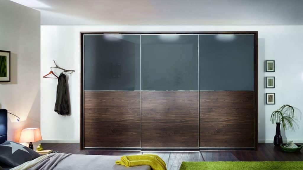 armoire portes coulissantes bois foncé