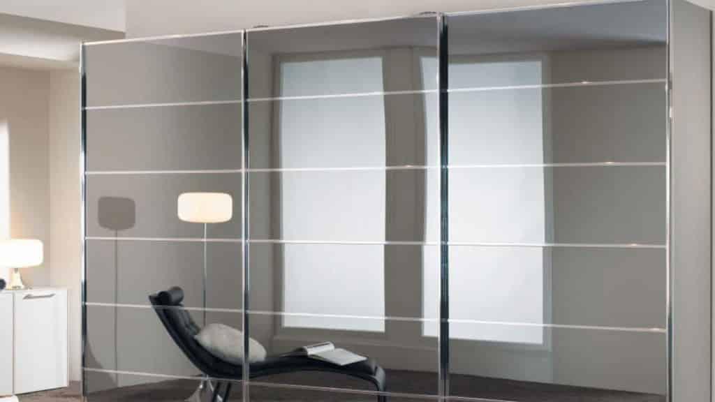 armoire miroir portes coulissantes