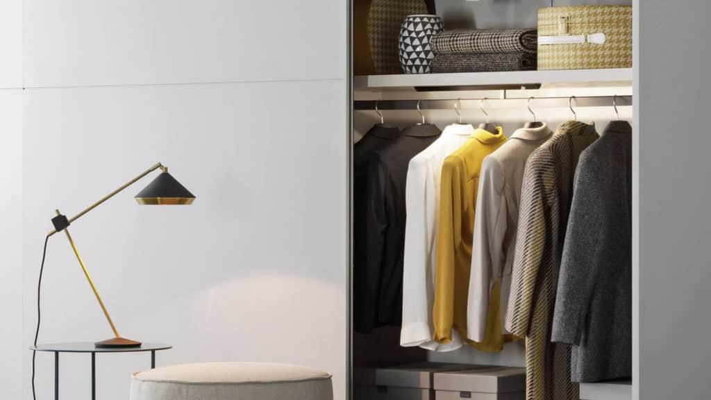 éclairage penderie basse armoire sur-mesure