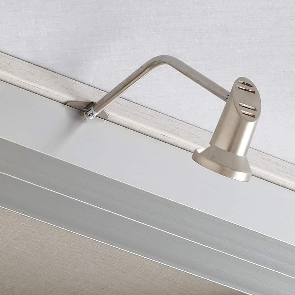 luminaire rangements aménagement placard