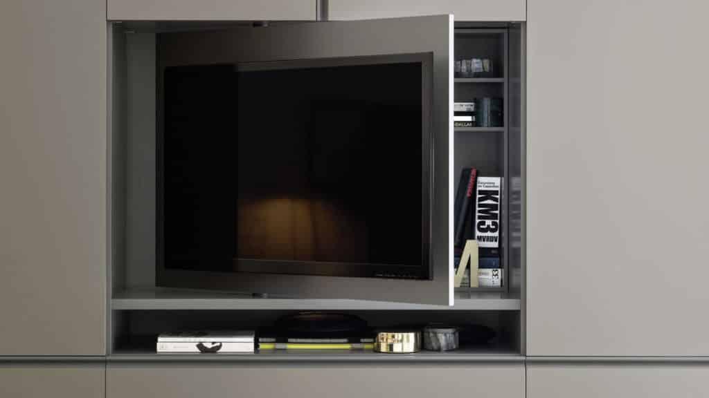 meuble cache television dans armoire sur-mesure