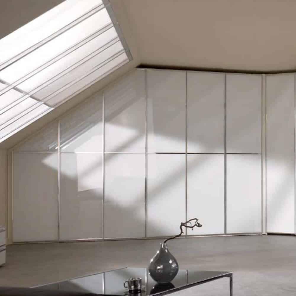 placard sous mansarde blanc verre laqué