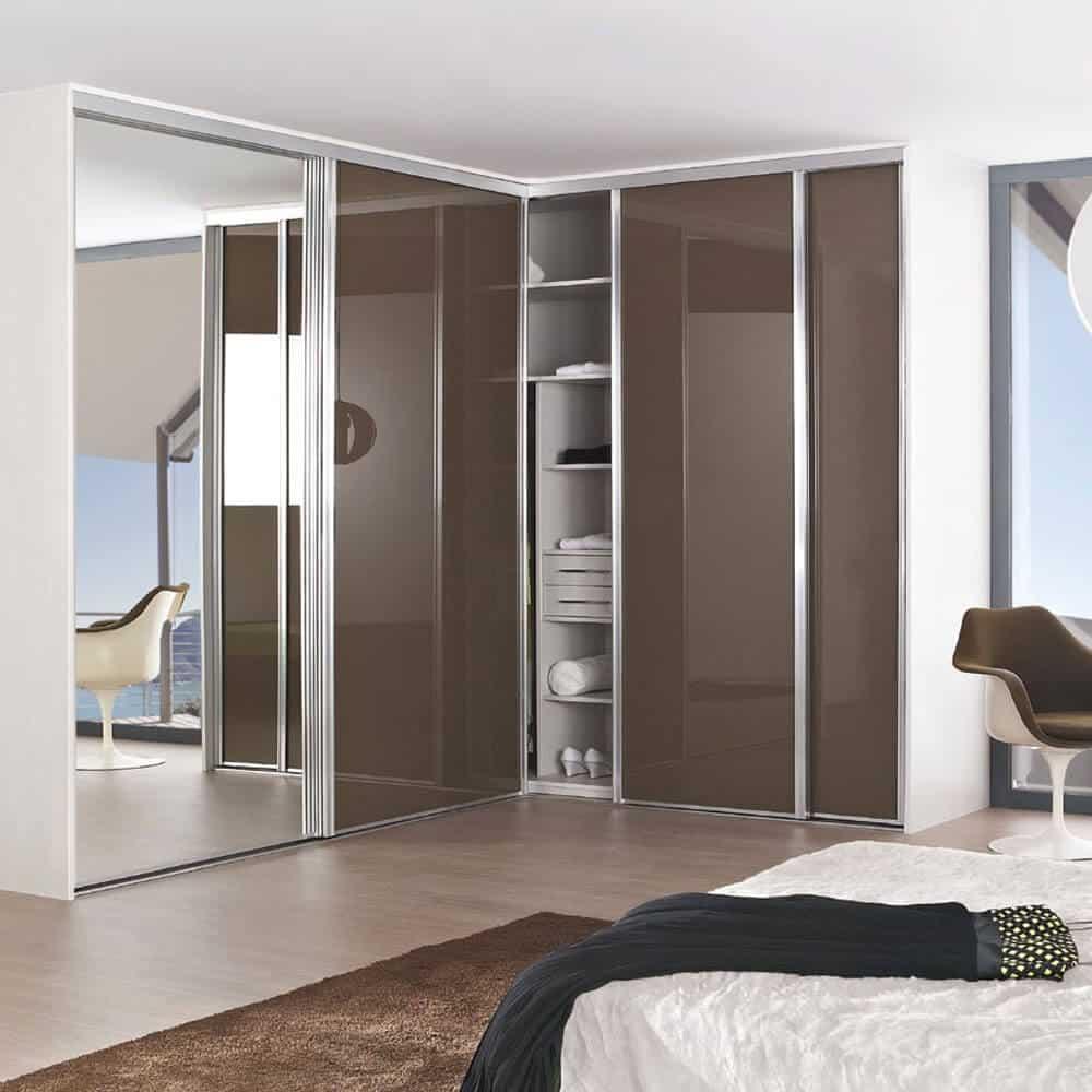 placard portes coulissantes angle marron