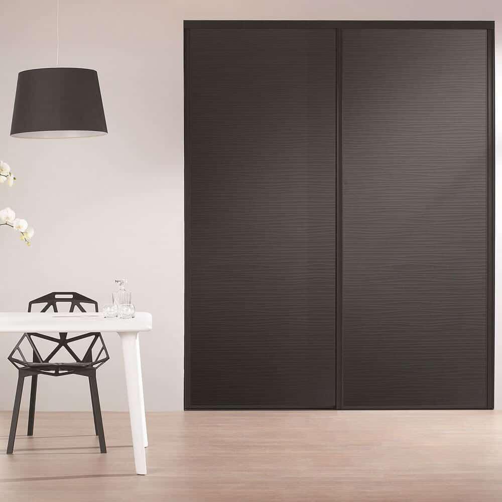 placard portes coulissantes matières noires