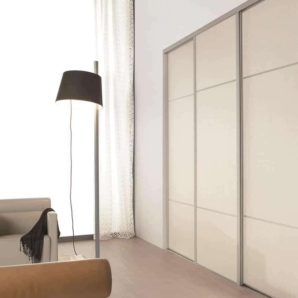 placard porte coulissante verre laqué trio beige