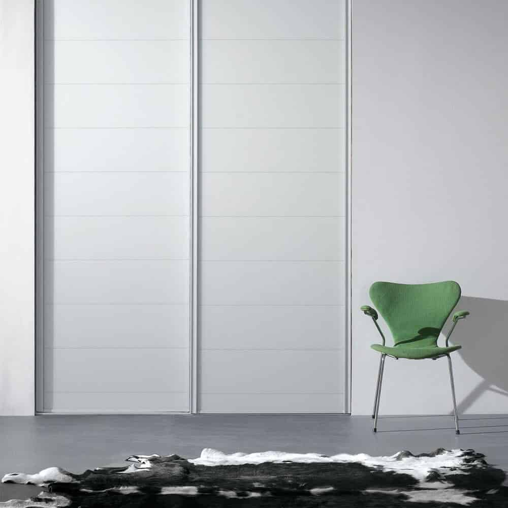 placard portes coulissantes verre laqué blanc incisé