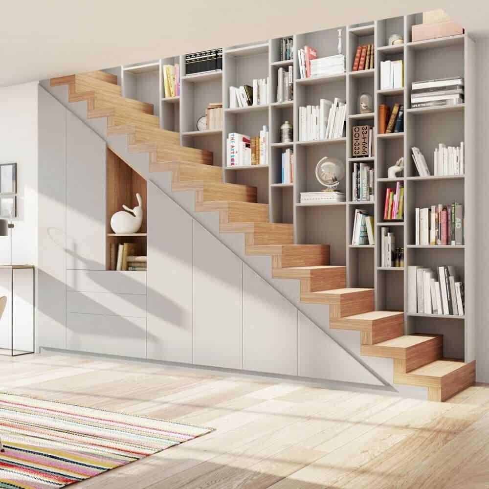 placard sous escalier bois