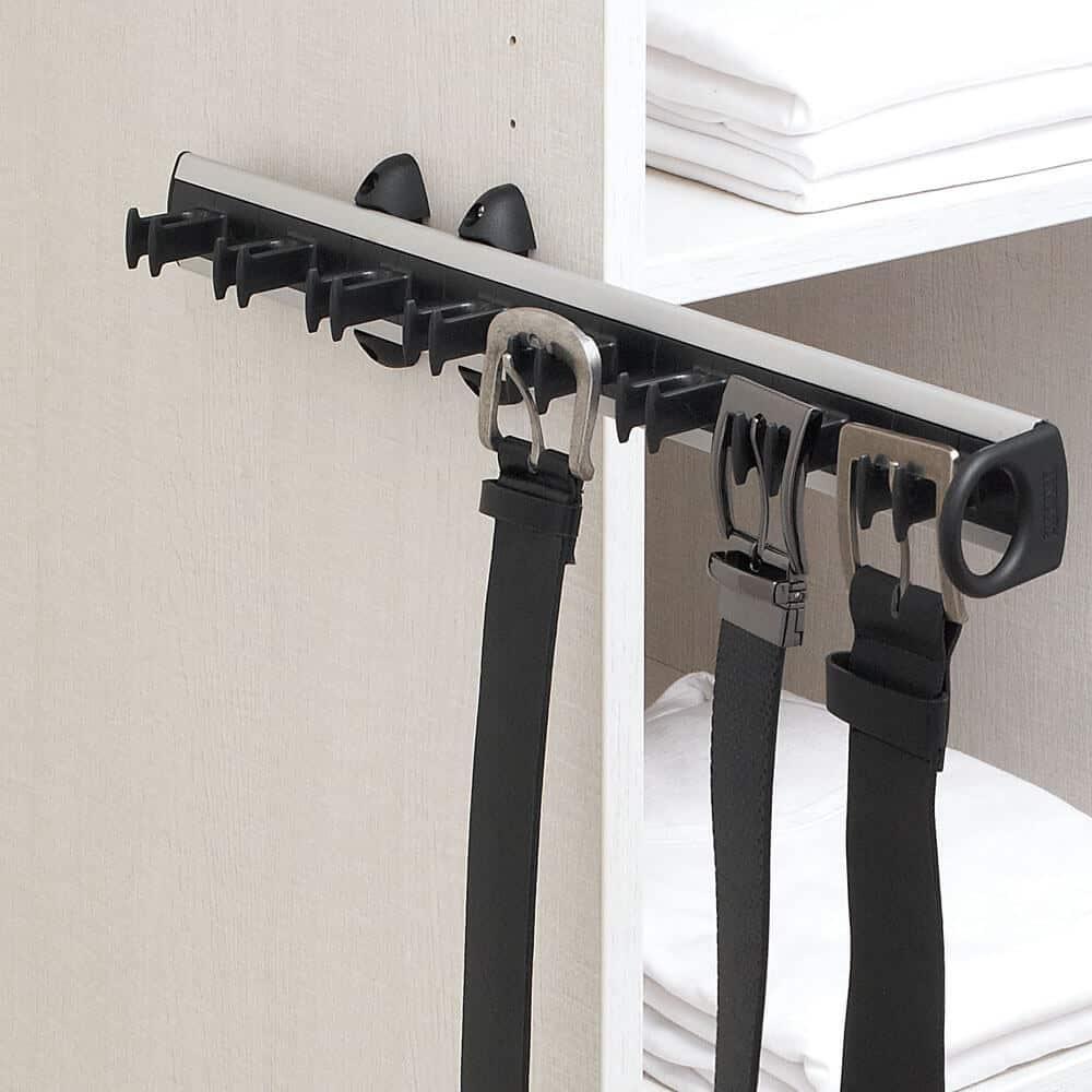 porte ceinture aménagement placard