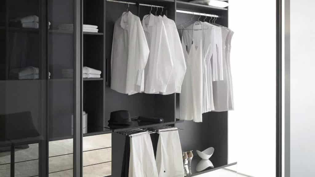 porte pantalons aménagement dressing