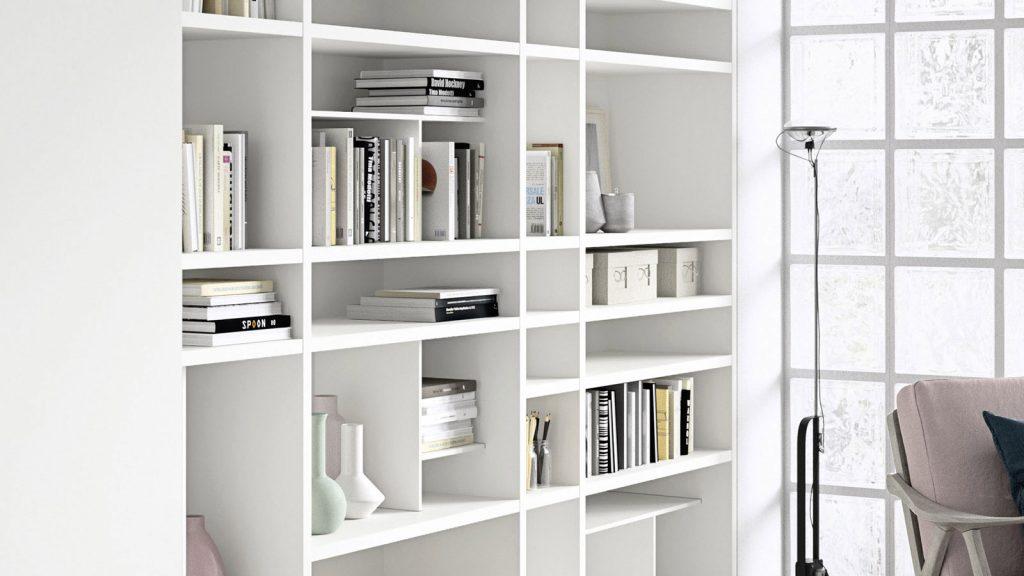 bibliothèque design sur mesure blanche