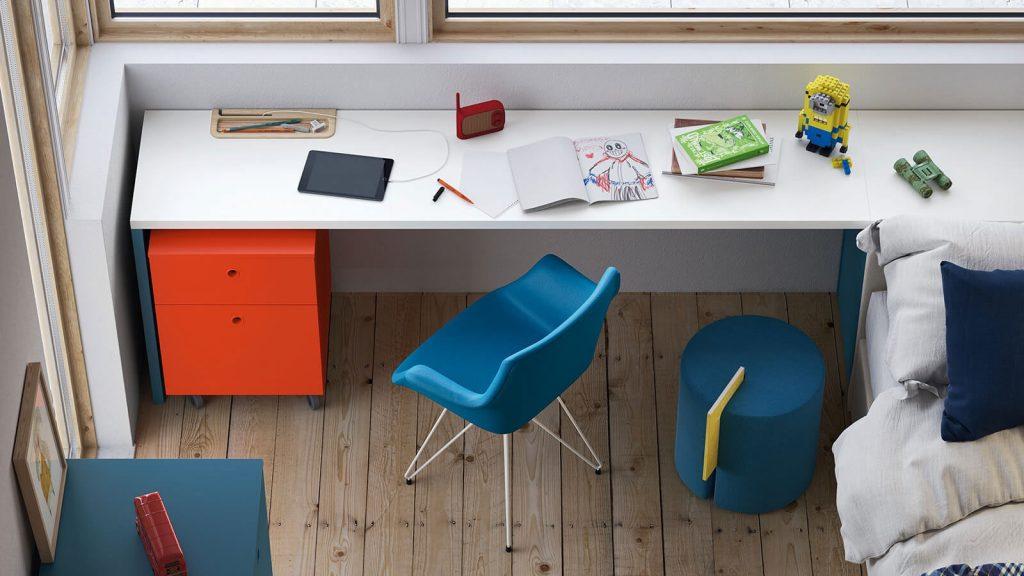 mobilier de bureau enfants rouge et blanc
